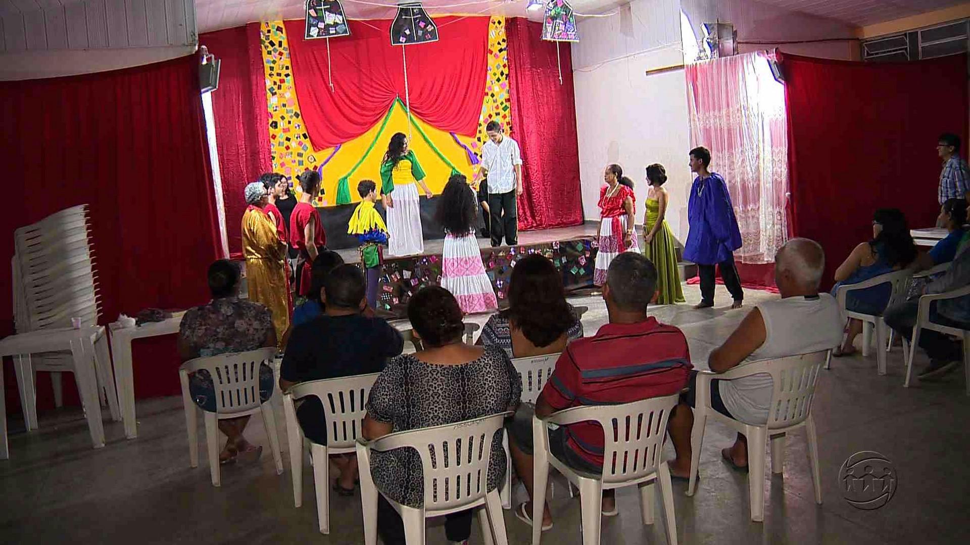 PROJETO LEVA AS ARTES CÊNICAS PARA DENTRO DA COMUNIDADE - Manhã no Ar 27/06/17