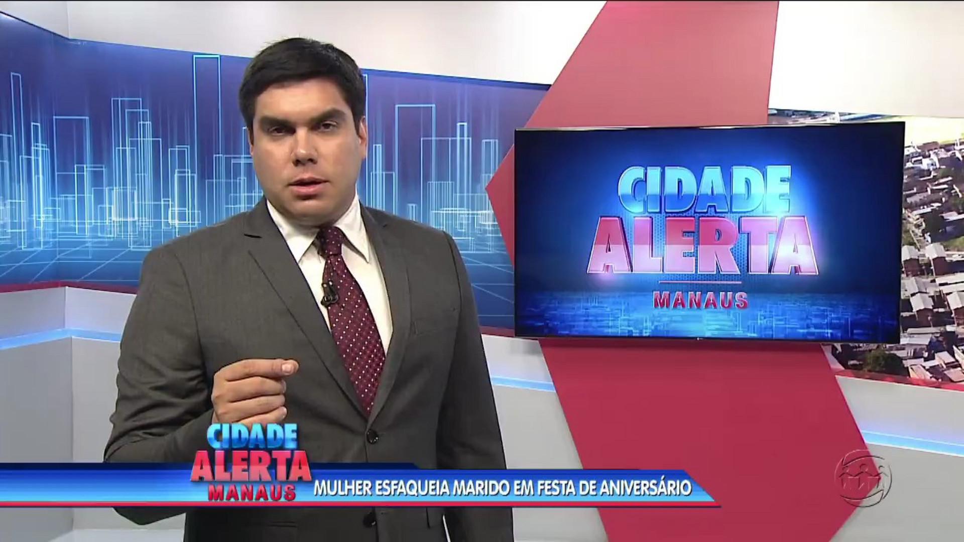 CIÚME: MULHER ESFAQUEIA MARIDO EM FESTA DE ANIVERSÁRIO - Cidade Alerta Manaus - 14/08/17