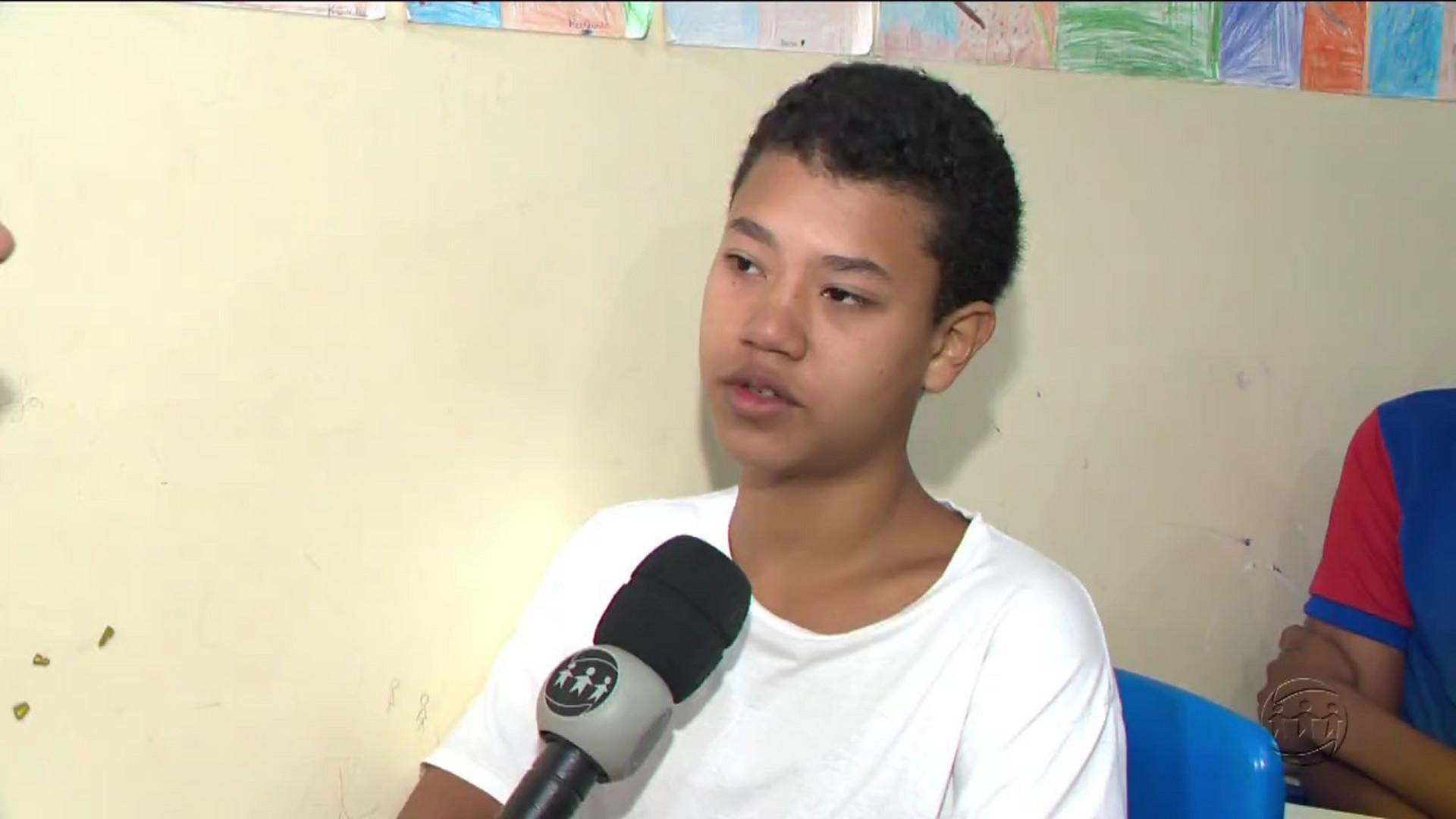 AMAZONENSE GANHA MEDALHA EM OLIMPÍADA BRASILEIRA DE ASTRONOMIA - Manhã no Ar 17/10/17