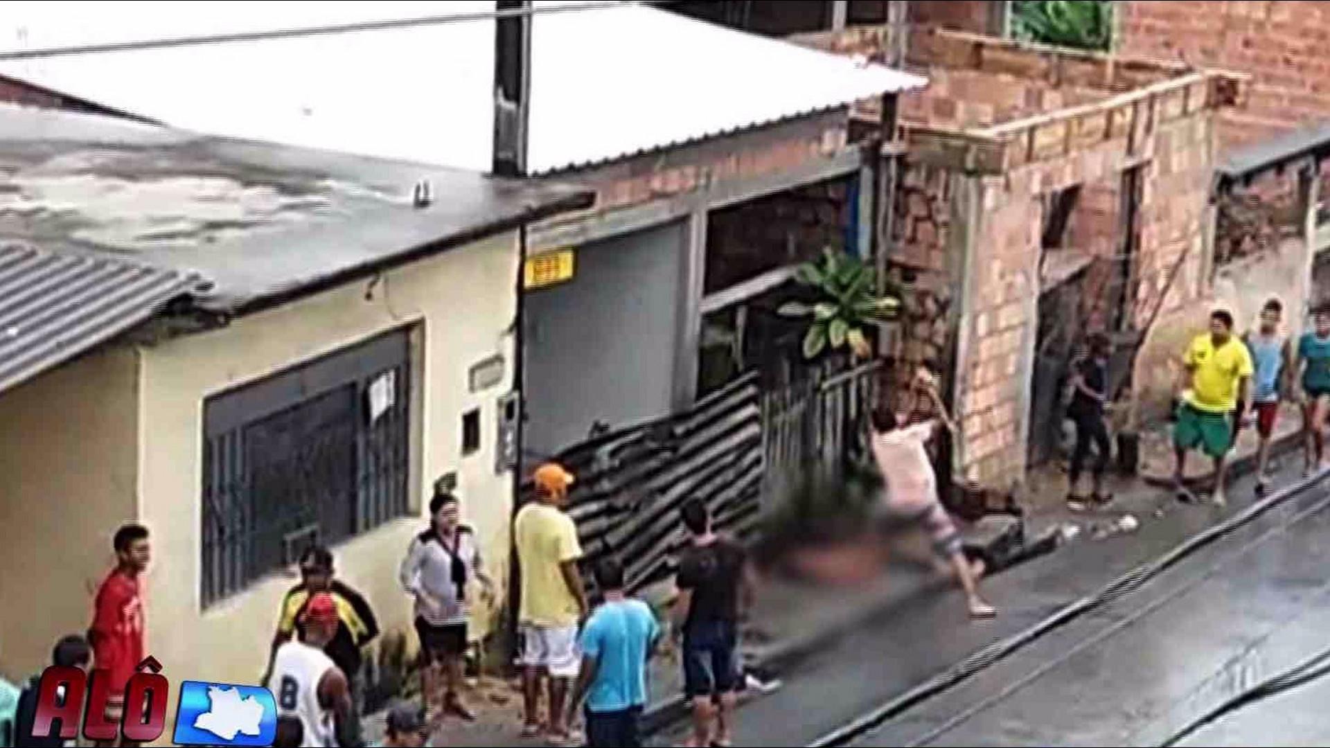 VINGANÇA: JOVEM É PRESO TEMPORARIAMENTE APÓS MATAR PADRASTO - Alô Amazonas - 19/10/17