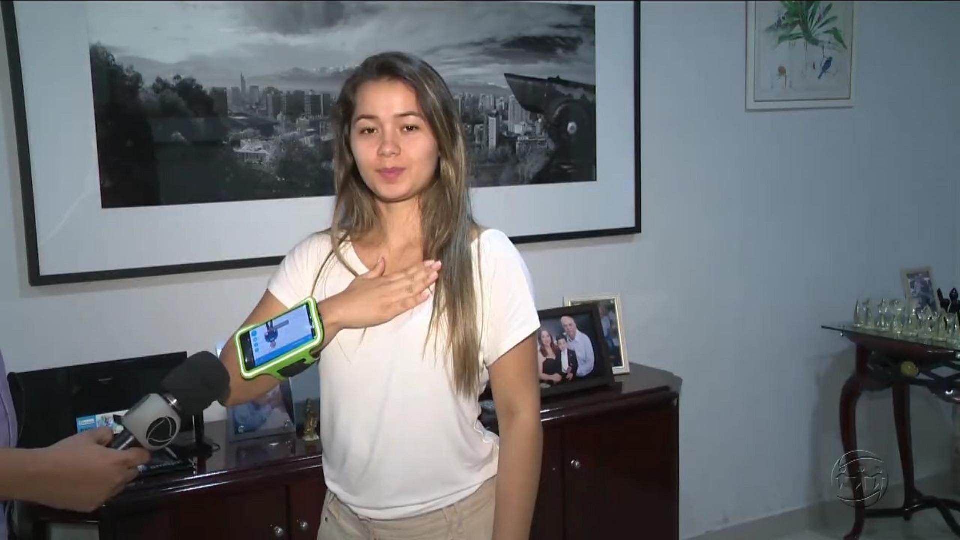 APLICATIVO FACILITA COMUNICAÇÃO ENTRE SURDOS - A Crítica Na Tv - 12/12/17