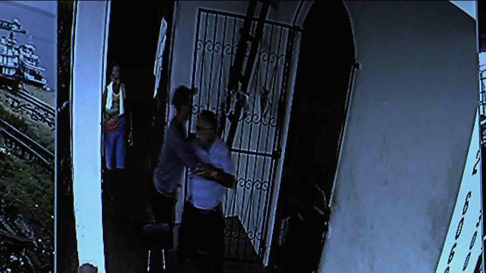 DUPLA ASSALTA ESTALEIRO E AGRIDE FAMÍLIA - Cidade Alerta Manaus - 12/12/17