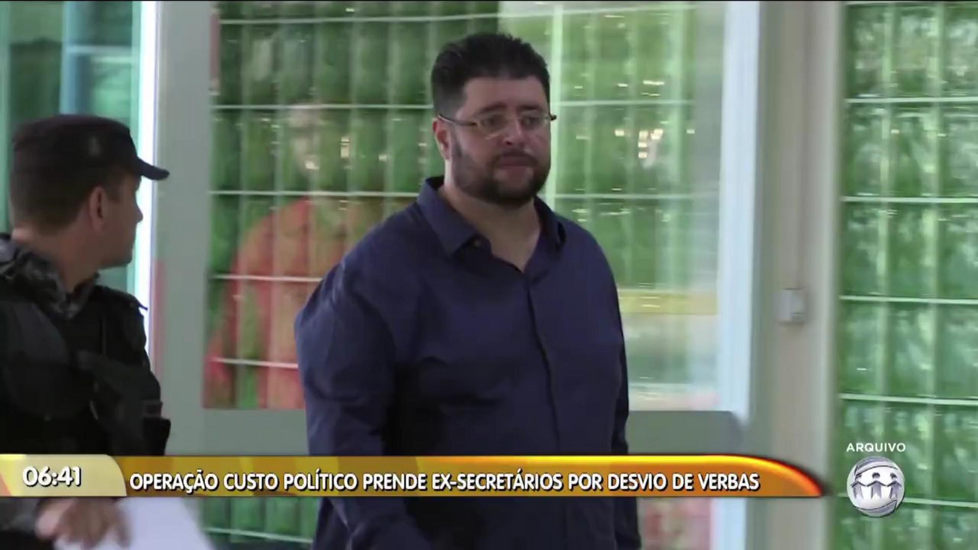 OPERAÇÃO CUSTO POLÍTICO PRENDE EX-SECRETÁRIOS POR DESVIO DE VERBAS - Manhã No Ar - 14/12/17